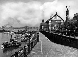 Ruhrorter Schifferbörse am Hafen