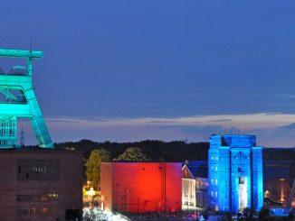 Farbspektakel bei der Extraschicht im Ruhrgebiet