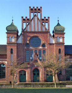 Beeindruckende Fassade der Lohnhalle